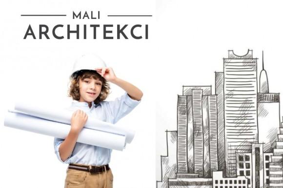 Chłopiec w kasku trzyma papierowe rulony. Obok rysunek budynku.