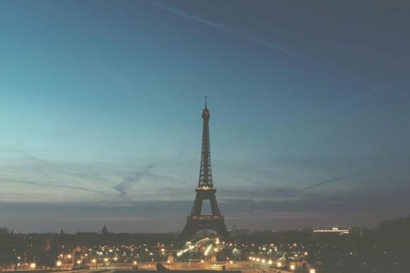 Widok Paryża z wieżą Eiffel`a.